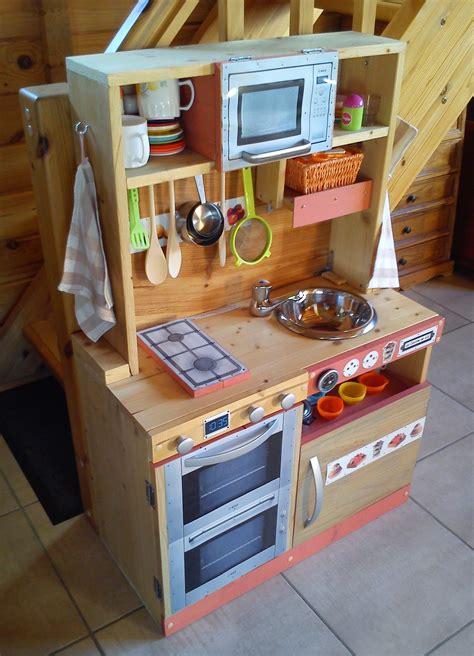 cuisiniere en bois pour enfant fait maison wooden toy