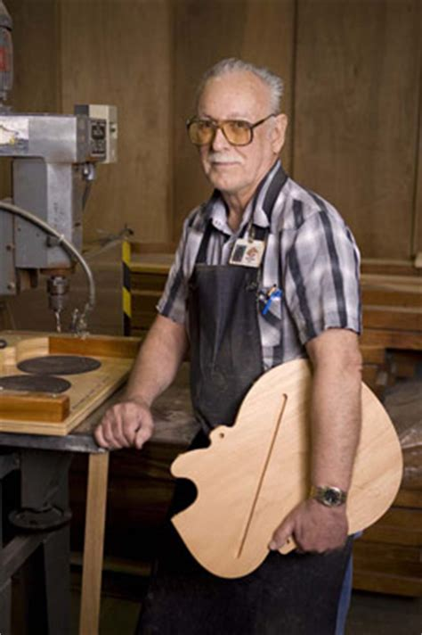 making   gibson custom guitar  ted drozdowski