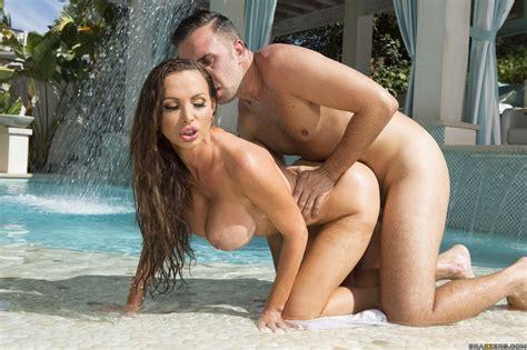 Nikki Benz Big Wet Butts
