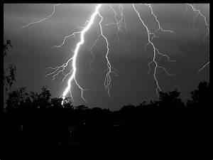 Black and white lightning   Flickr - Photo Sharing!
