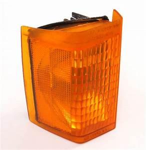 Rh Turn Signal Corner Light Lamp 81
