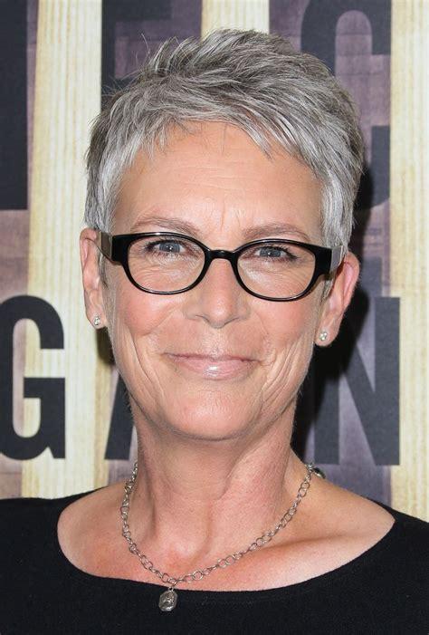 Flattering Hair Styles for Women Over 50