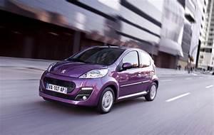 Peugeot Essence : peugeot 107 restyling immagini ufficiali italiantestdriver ~ Gottalentnigeria.com Avis de Voitures