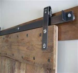 Selection de portes interieures coulissantes habitatpresto for Porte de garage coulissante et menuiserie porte intérieure sur mesure