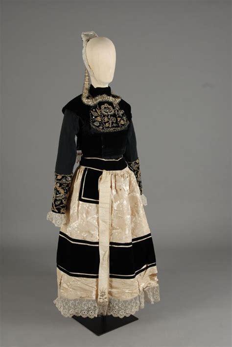 robe mariage quimper la mode mari 233 e de plon 233 vez porzay ce costume de la mode de