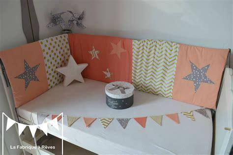 decoration de chambre de fille décoration chambre bébé fille et linge de lit corail
