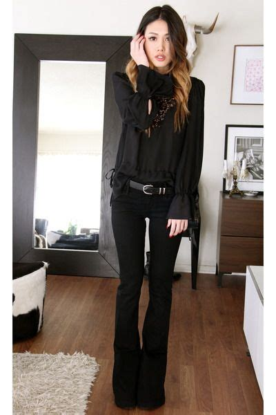 17 Best ideas about Flare Jeans Outfit on Pinterest | Flare pants Flare pants outfit boho and ...