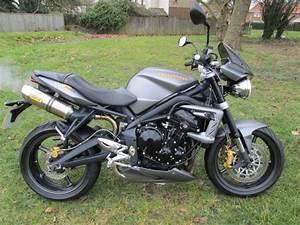 Street Triple 675 : triumph street triple r 675 motorcycle ~ Medecine-chirurgie-esthetiques.com Avis de Voitures