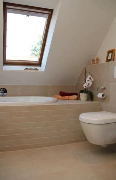Kleines Badezimmer Mit Dachschräge Renovieren by Badewanne Unter Dachschr 228 Ge In 2019 Pw Badezimmer