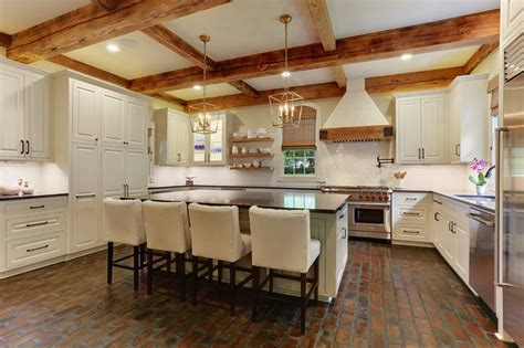 Hays Town Inspired Home: REVISITED   Farmhouse   Kitchen