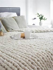 les 25 meilleures idees de la categorie plaid canape sur With tapis chambre bébé avec jeté de canapé gris perle
