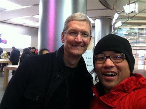 two tech giants in beijing zuckerberg speaks tim cook takes selfies the beijinger