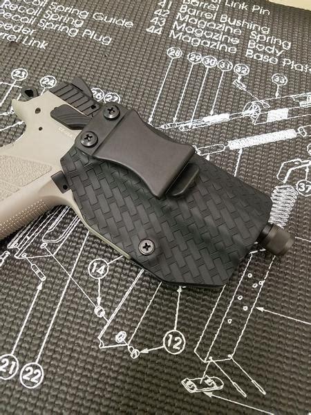 Custom Gun Holsters   Custom Concealed Carry Holsters