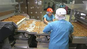 Food Factory USA - Episodes, Video & Schedule - FYI Network