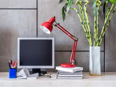 feng shui plants for office desk office feng shui in a day the ideal office feng shui layout