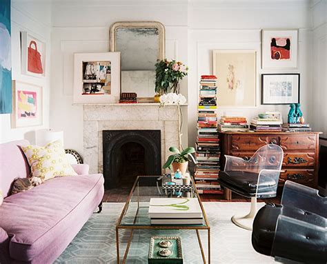 Chaise Cassée Reve by 10 Small Urban Apartment Decorating Ideas