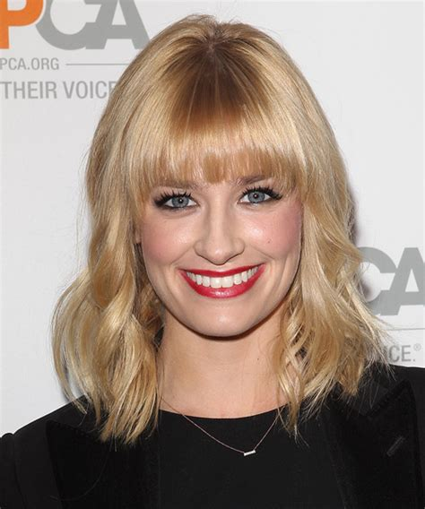 beth behrs medium wavy casual hairstyle light honey