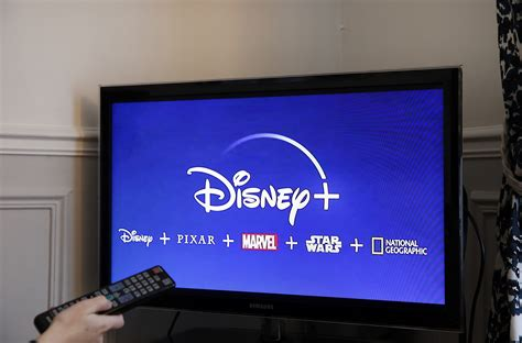 disney streaming canada service subscription launch vizio app smart netflix gift apple tvs movies television screen fans services stream end