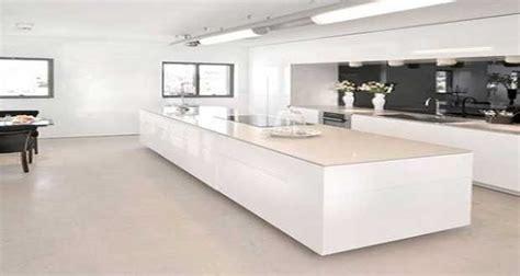 cuisine blanche avec 238 lot central design