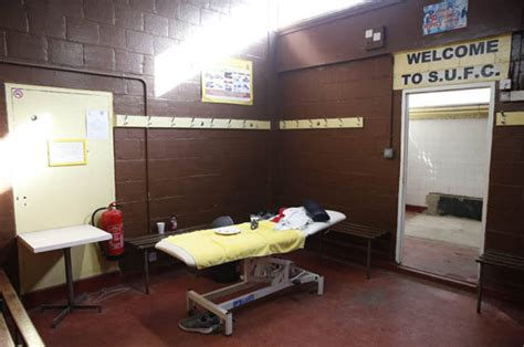 sutton united  arsenal  dressing room  gunners