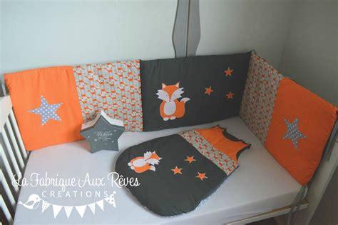 chambre bébé orange linge lit tour lit bébé gigoteuse turbulette renard