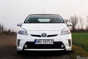 Toyota Yaris Hybride Dynamic : toyota prius 1 8 hsd prestige fl vs toyota yaris hybrid 100 dynamic auto testy ~ Gottalentnigeria.com Avis de Voitures