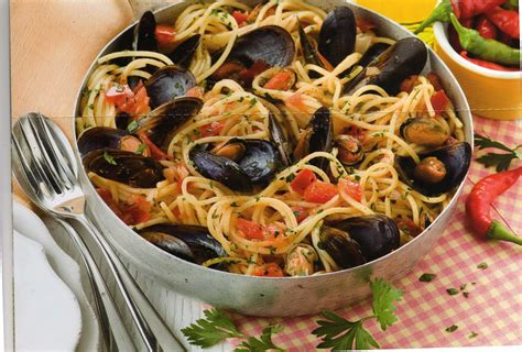 cuisine spaghetti spaghetti avec des moules à la tarantine cuisine