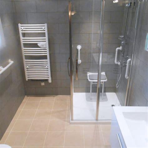 siege baignoire personne agee et vous aménagement sécurisée pour sénior