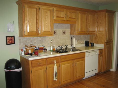 kitchen oak cabinets wall color paint colors for kitchens with oak cabinets 8361