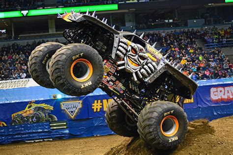 monster truck jam 100 grave digger the legend monster truck 9 best