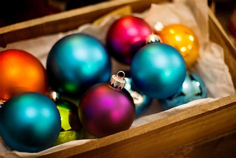 15 Amazing And Colorful Ball Christmas Ornaments Home