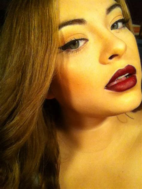 dark fall lips jordana cabernet lip liner  wetnwild
