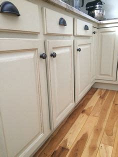 using sloan chalk paint on kitchen cabinets painted kitchen cabinets using grey chalk paint by 9904