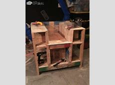 Storage Compartment Pallet Bookcase Lincoln Chair • 1001