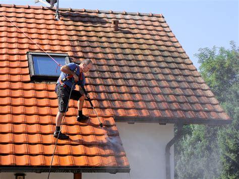 Dachziegel Witterungsfest Und Lange Haltbar by Dachziegel Nat 252 Rlich Witterungsfest Und Langlebig Bauen De