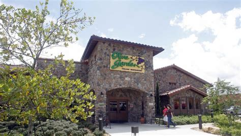 olive garden restaurant locations lobster chain sold for 2 1 billion ny daily news