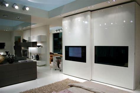 armadi con tv incorporata camere da letto offerta di letti armadi armadi