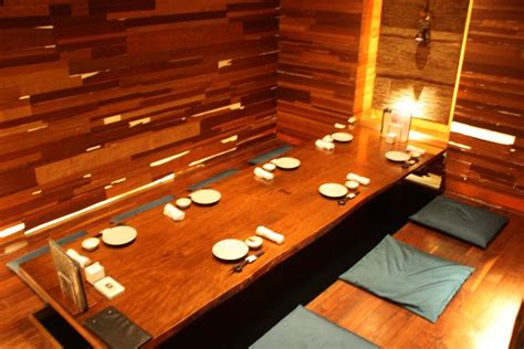 traditional japanese dining table yuian restaurant tokyo reviews