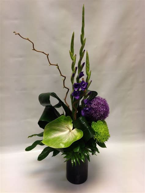 contemporary flower arrangements ideas best 25 corporate flowers ideas on pinterest modern floral arrangements modern flower