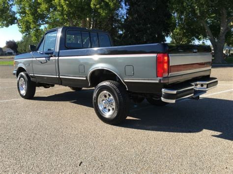 beautiful  ford   lariat   longbed