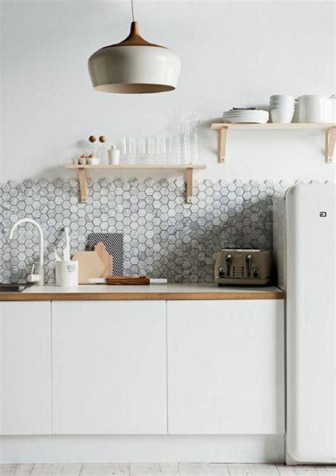 mosaique murale cuisine 53 variantes pour les cuisines blanches