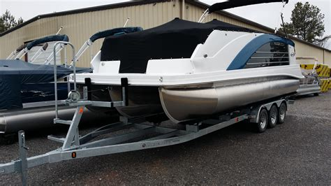 How To Trailer A Pontoon Boat by Pontoon Boat Trailers Marine Master Trailers