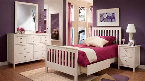 chambre bien ranger bien meublée bien rangée