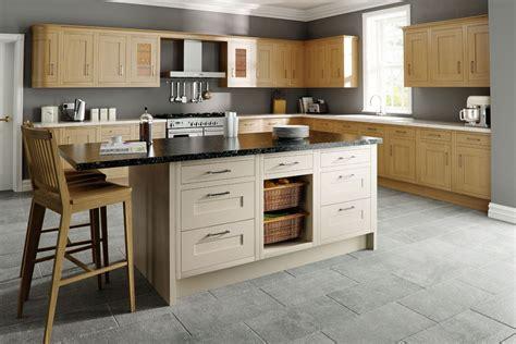 cuisine en bois massif cuisine en bois massif hegenbart of cuisine moderne en