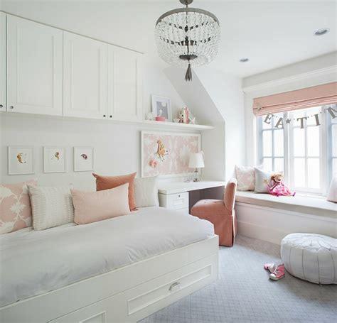 organiser sa chambre idées déco pour une chambre ado fille design et moderne