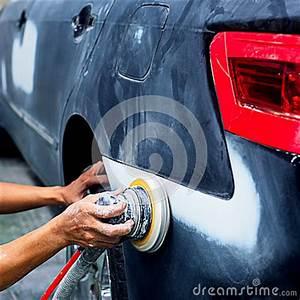 Delai Reparation Voiture Apres Accident : peinture de r paration automatique de carrosserie de voiture apr s l 39 accident photo stock ~ Gottalentnigeria.com Avis de Voitures
