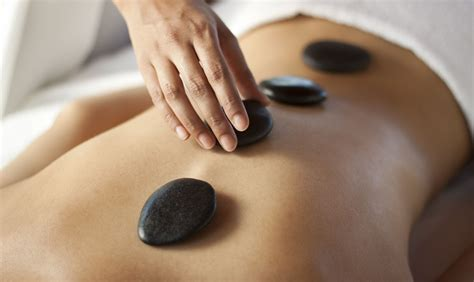 What Is A Hot Stone Massage How Can It Benefit You