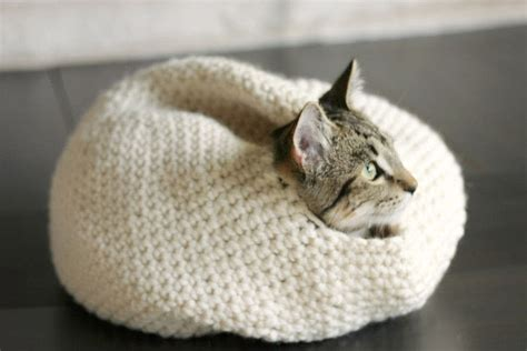cat nest  pet bed yarn craft  crochet  cut