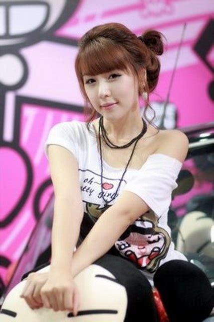 Cute Korean Race Girl Lee Ji Woo Photoshoot Global