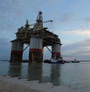 Signet and Crowley Tugs Get Big Foot Underway from Corpus ...